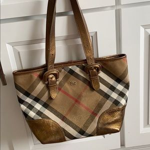 🍂On Sale🍂Authentic Burberry Tote limited edition